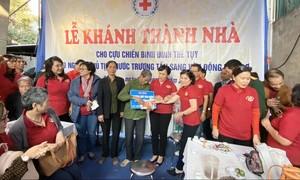 Thêm một cựu chiến binh Vị Xuyên được tặng nhà