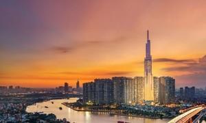 Bí mật sau những bức ảnh treo tại khách sạn cao nhất Đông Nam Á