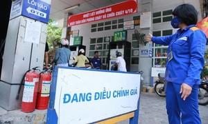 Dầu diesel 0,05S giảm... 81 đồng/lít