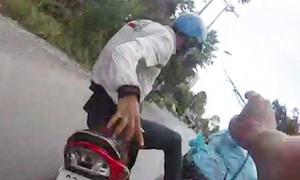 Truy bắt thuốc lá lậu, hai công an bị tấn công
