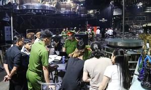 75 dân chơi phê ma túy trong vũ trường lớn hàng đầu Đà Nẵng