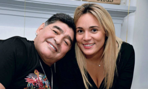 Maradona bị bắt giữ tại sân bay