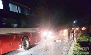 Xe khách tông xe máy, hai học sinh lớp 8 tử vong tại chỗ