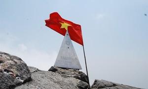 Đỉnh Phan Xi Păng cao hơn 4 mét so với số liệu cũ