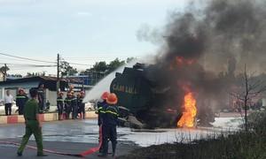Xe bồn và xe ben tông nhau rồi bốc cháy, 2 người bị lửa thiêu tử vong