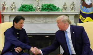 """Trump """"gây bão"""" khi đòi làm trung gian đàm phán xung đột Kashmir"""