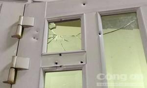 Điều tra vụ một đối tượng dùng súng bắn vào nhà dân