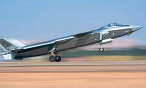 """Trung Quốc triển khai chiến đấu cơ J-20 """"dằn mặt"""" Đài Loan"""