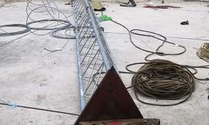 Sập cột ăng-ten, hai công nhân tử vong