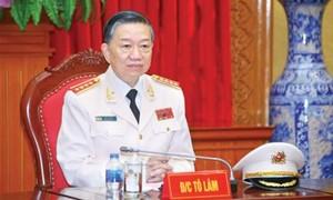 Bộ trưởng Tô Lâm biểu dương các nữ Công an nhân dân