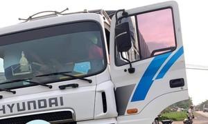 Đang lái xe tải, tài xế đột quỵ tử vong, may mắn phụ xe xử lý kịp