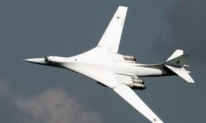 Chiêm ngưỡng máy bay siêu thanh Tu-160 tung hoành trên không
