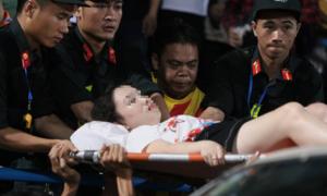 Vụ bắn pháo sáng: Bộ VHTTDL yêu cầu xử nghiêm BTC sân Hàng Đẫy