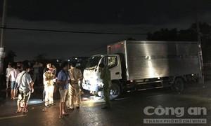 Người đàn ông bị xe tải cán chết thảm sau va chạm 2 xe máy