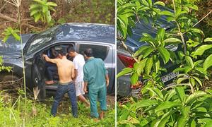 Người dân cạy cửa cứu nữ tài xế xe bán tải lao xuống ruộng