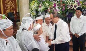 Xúc động lễ viếng anh hùng phi công Nguyễn Văn Bảy