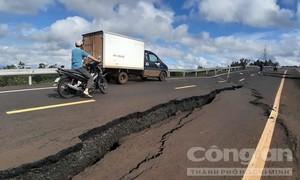 Vụ đường 250 tỷ tan nát như sau động đất: Công an điều tra