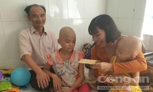 Mang niềm vui đến cho các em nhỏ tại Bệnh viện Nhi đồng 2