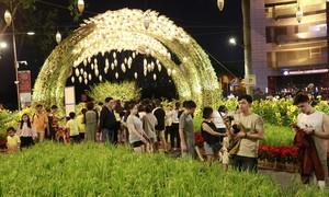 Khai mạc hội hoa xuân Phú Mỹ Hưng: Rước Lộc Đồng Hoa