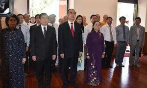 TPHCM: Dâng hương Chủ tịch Hồ Chí Minh và Chủ tịch Tôn Đức Thắng