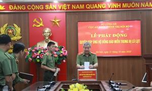 Cục An ninh chính trị nội bộ quyên góp ủng hộ đồng bào miền Trung bị lũ lụt