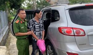 Kẻ lừa vợ nạn nhân thủy điện Rào Trăng 3 lấy 100 triệu đồng bị bắt