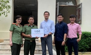 Công ty tư vấn tài chính LGC san sẻ nỗi đau với đồng bào miền Trung