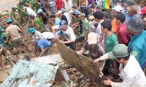 Đưa chó nghiệp vụ vào tìm kiếm 14 nạn nhân mất tích ở Trà Leng