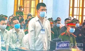 """Tuyên án gã giang hồ cộm cán Hùng """"sida"""" và 104 bị cáo"""