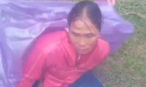 Thanh niên lao xuống dòng nước xiết cứu 3 người đi nhận hàng cứu trợ