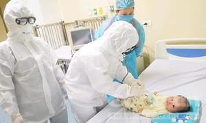 Bệnh nhân 3 tháng tuổi được chữa khỏi nCoV như thế nào?