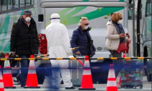 Hai hành khách trên du thuyền bị cách ly vì nCoV ở Nhật tử vong