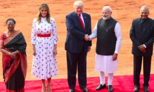 Trump thảo luận thoả thuận thương mại, bán vũ khí cho Ấn Độ