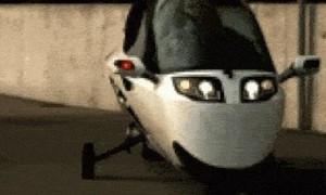 Độc đáo môtô thiết kế như xe hơi, thân giống cá voi