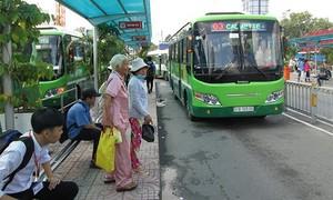 TPHCM: Tạm ngừng 54 tuyến xe buýt, giảm 60% chuyến xe khách liên tỉnh