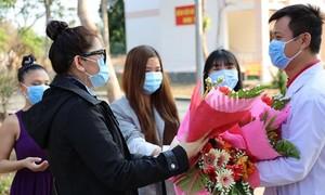 Thêm 30 bệnh nhân nhiễm Covid-19 khỏi bệnh, ra viện trong hôm nay