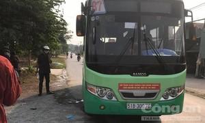 Nữ nhân viên xe buýt ở Sài Gòn bị đâm tử vong trên xe