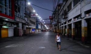 Tổng thống Philippines doạ bắn chết người vi phạm lệnh phong toả
