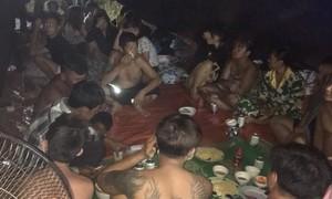 """Xử lý 25 thanh niên tụ tập ăn nhậu tại """"thác Lộn Xộn"""""""