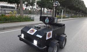 Tunisia dùng cảnh sát người máy tuần tra lệnh phong toả chống Covid-19