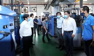 Lãnh đạo TPHCM kiểm tra phòng chống dịch tại nhà máy, công trường