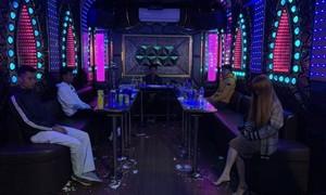 Chủ tịch phường bị đình chỉ vì quán karaoke vẫn hoạt động
