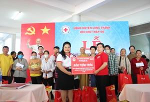Vedan Việt Nam tặng 4 căn nhà và 50 phần quà cho các hộ nghèo
