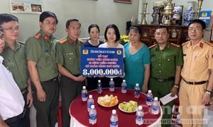 Công đoàn Công an TPHCM: Tặng kinh phí gia đình đoàn viên neo đơn