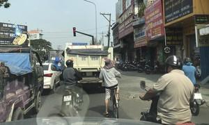 Quận Gò Vấp: Bó tay với nạn xe quá tải trong nội đô?