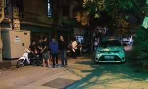 Hai người đi taxi bị đâm thương vong nghi do va chạm giao thông