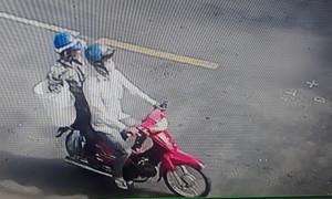 Truy bắt 2 đối tượng giả người thân trộm xe của người bị tai nạn