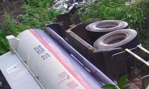 Xe bồn chở nhiên liệu lao xuống cống trên QL51