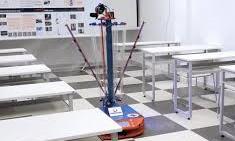 Clip robot diệt khuẩn do sinh viên đại học chế tạo