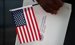 Vì sao số người từ bỏ quốc tịch Mỹ gia tăng?